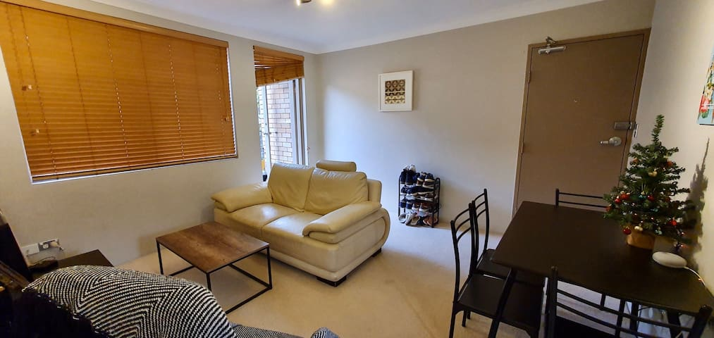 Lovely Apartment - Centre of Dee Why