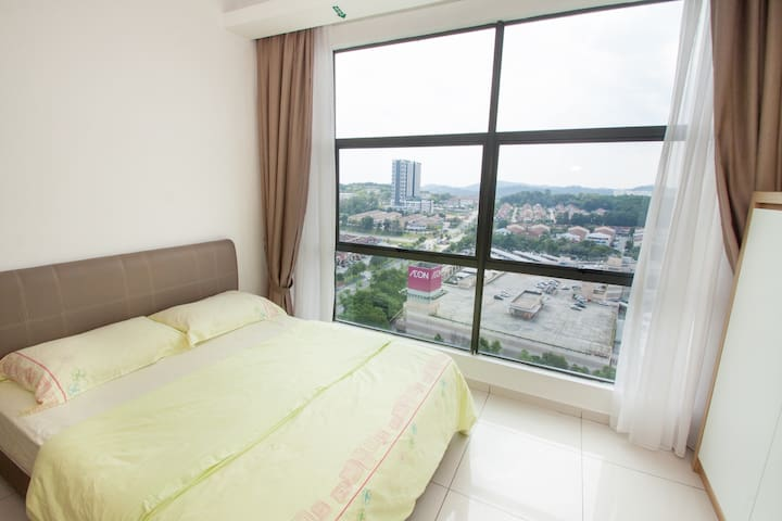 Free unlimited Wifi  Fully Furnished Cozy Studio
