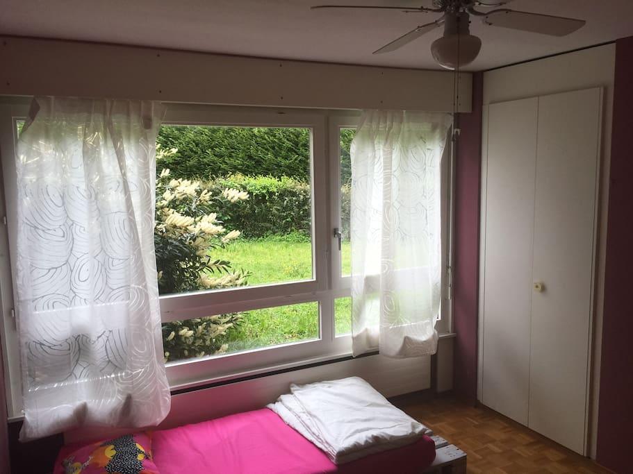 chambre chez l 39 habitant nyon appartements louer nyon vaud suisse. Black Bedroom Furniture Sets. Home Design Ideas