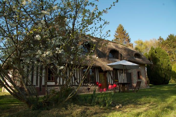 LA LANDE thatched-roof cottage