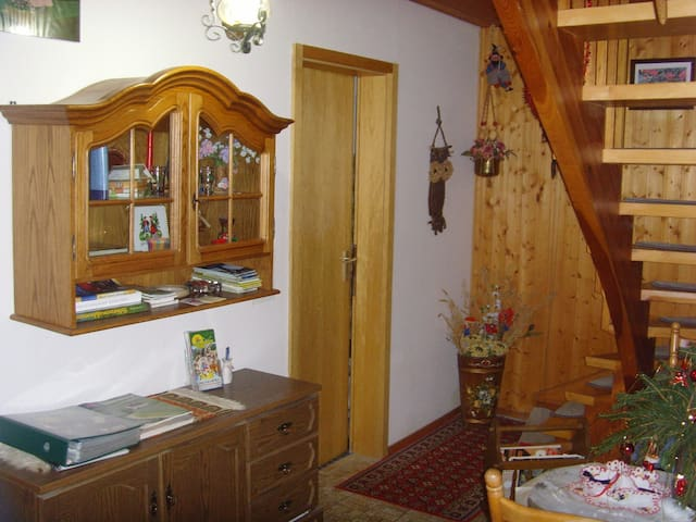 Apartment with 3 rooms and bath - Furtwangen im Schwarzwald - Pis