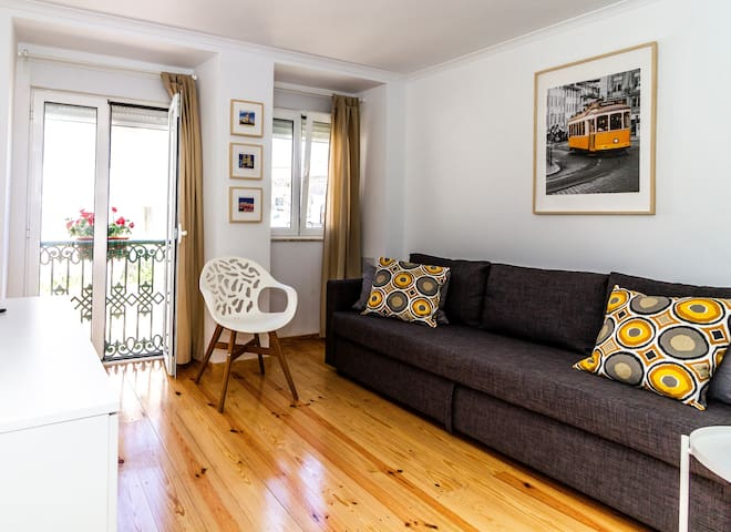 Cozy  apartment in a  typical portuguese building