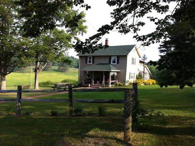 Little League,  Heritage  farmstead
