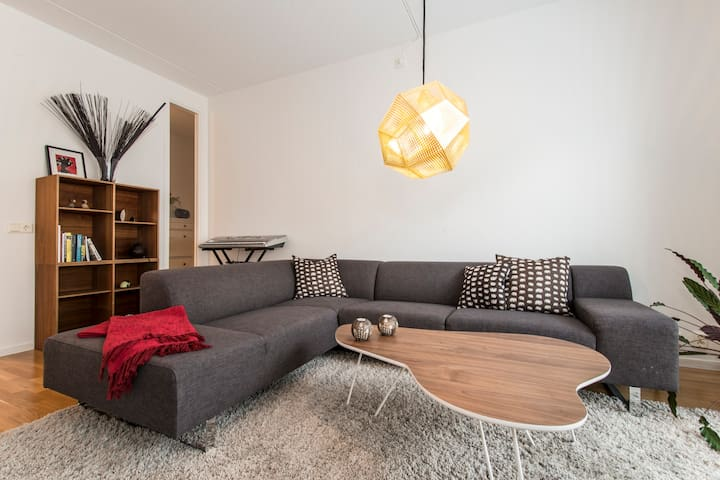 Modern living in exciting area - Stockholm - Byt