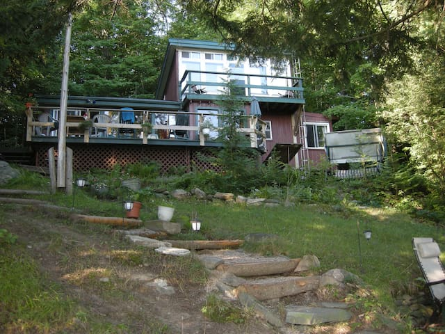 Private Cottage, Sleeps 8, Enjoy! - Arden (Central Frontenac) - Kabin