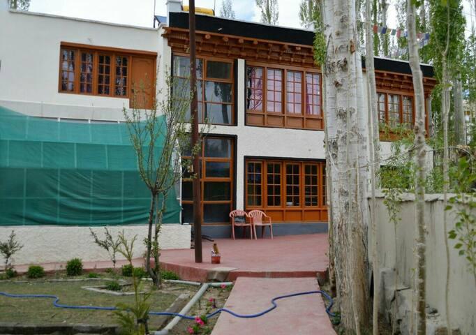 Dewa House