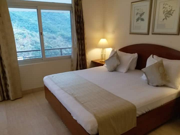 2 Bedroom Jungle stay at Mussoorie Dehradun Road