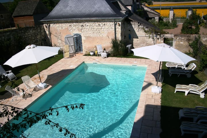 French Loire Gite 2, 2 b'rms & pool