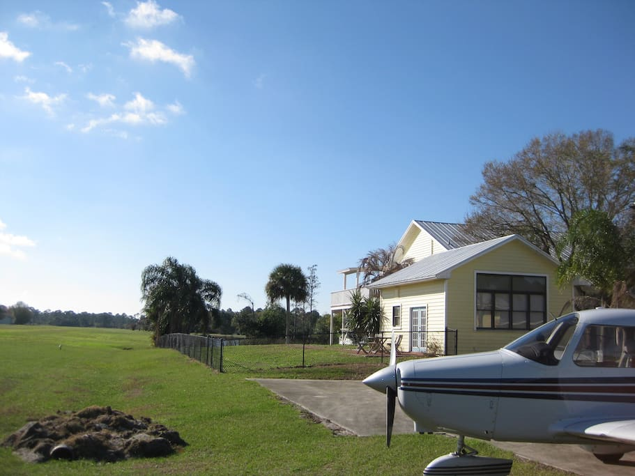 Floridian Fly-in home + aircraft