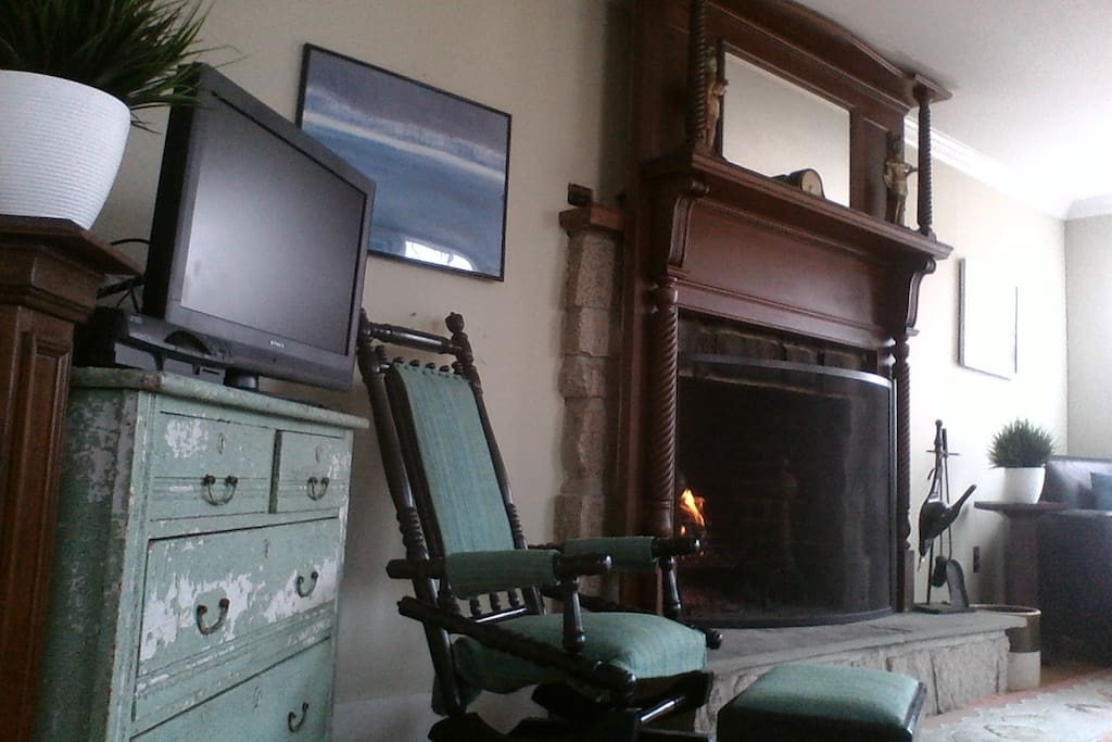 Space includes flat-screen TV with cable and working fireplace and incredible views.
