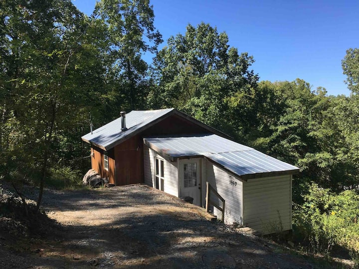 Small Cabin with Lake Access/remodeling incomplete