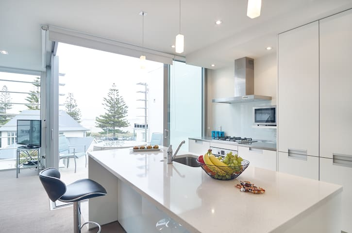 BaySide Luxurious Top Floor Suite - Christchurch - Leilighet