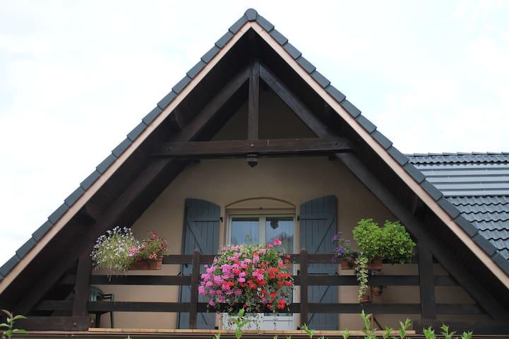 Chambre privative dans maison à la campagne
