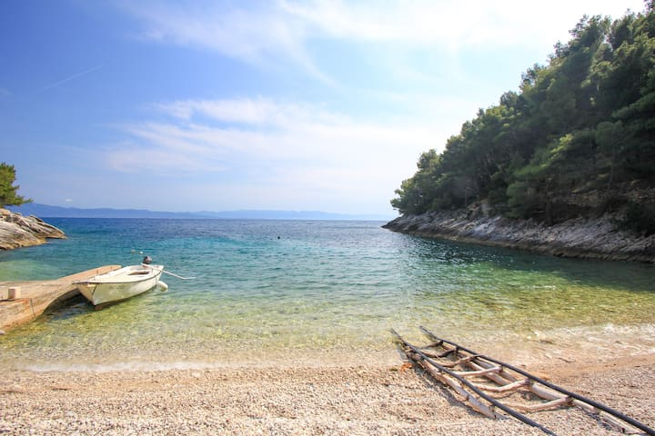 """Secluded holiday home Mirela APP 2+2 """"P"""""""