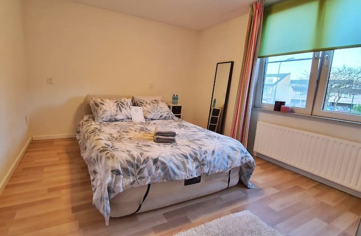Clean Private Room close to Utrecht & Amsterdam