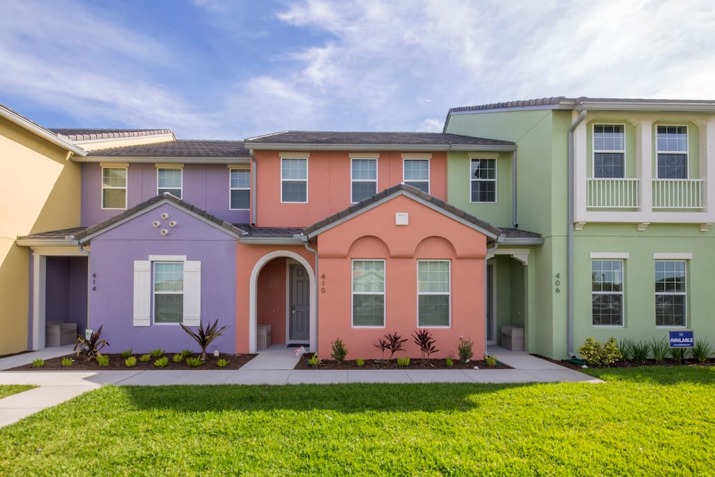 This 4 bedroom townhome is located at the brand new Festival Resort, in the Orlando area and offers top of the line amenities and plenty of space.