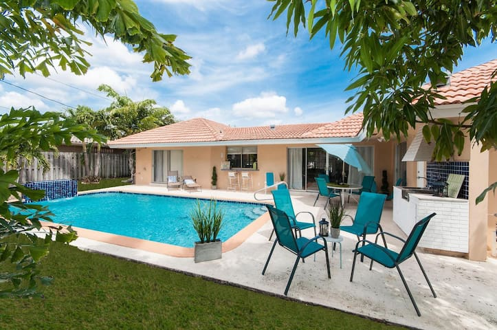 Imperial Point Vacation Home - Central Location! - Fort Lauderdale - Casa