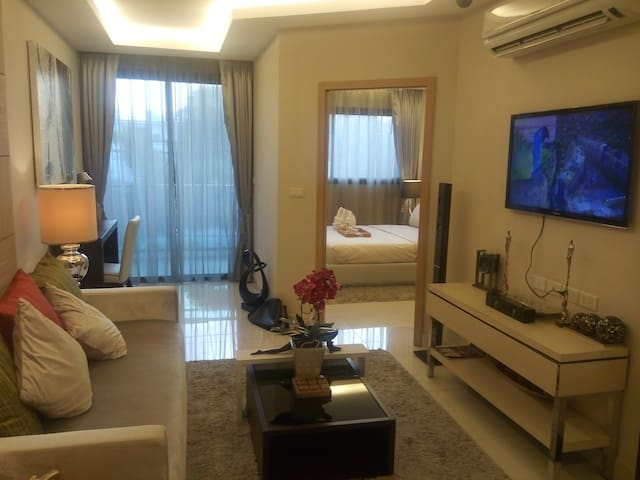 SPACIOUS 1BR PERFECT BEACH LOCATION - Chon Buri - Appartamento