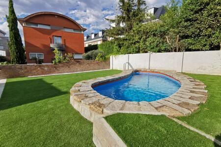 Chalet con piscina a 10 Min del centro de Madrid