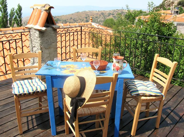 Mermaid's Cottage on Lesbos Island - Vafeios - บ้าน