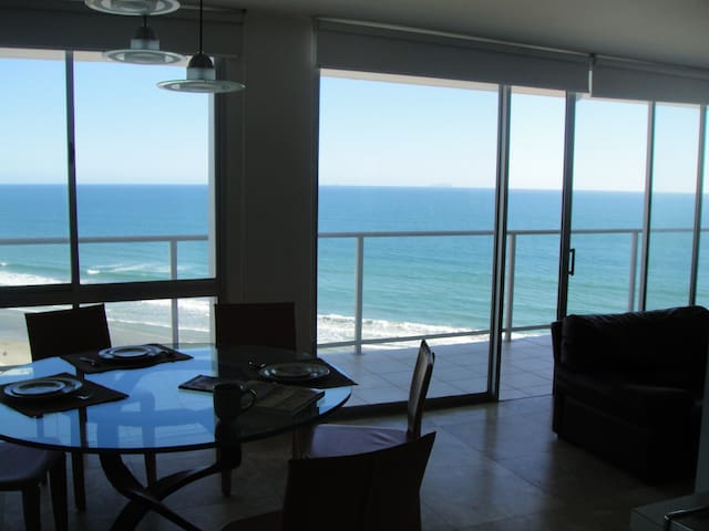 Coronado Shores most exclusive building - Coronado - Apartamento