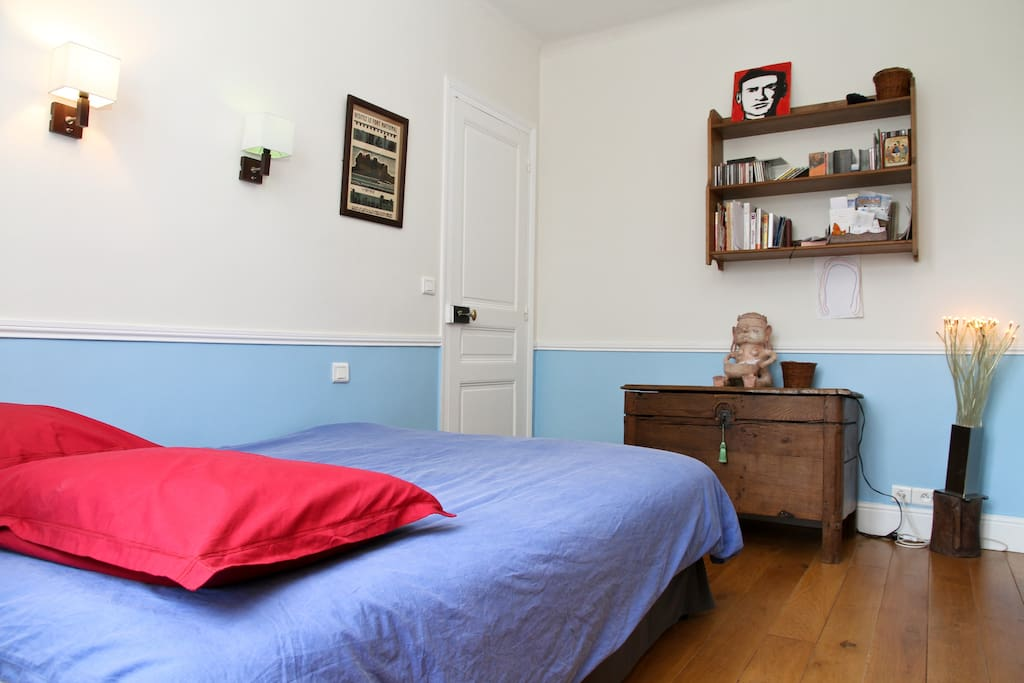 a nice & quiet flat close to Paris
