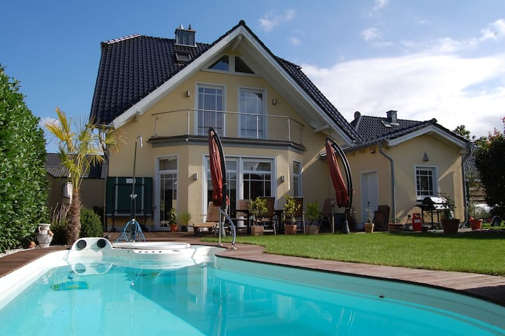 Privatzimmer in der Villa Latifa - Elsdorf