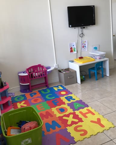 Perfect aprtment for PARENTS traveling with kids. - North Miami Beach - Leilighet