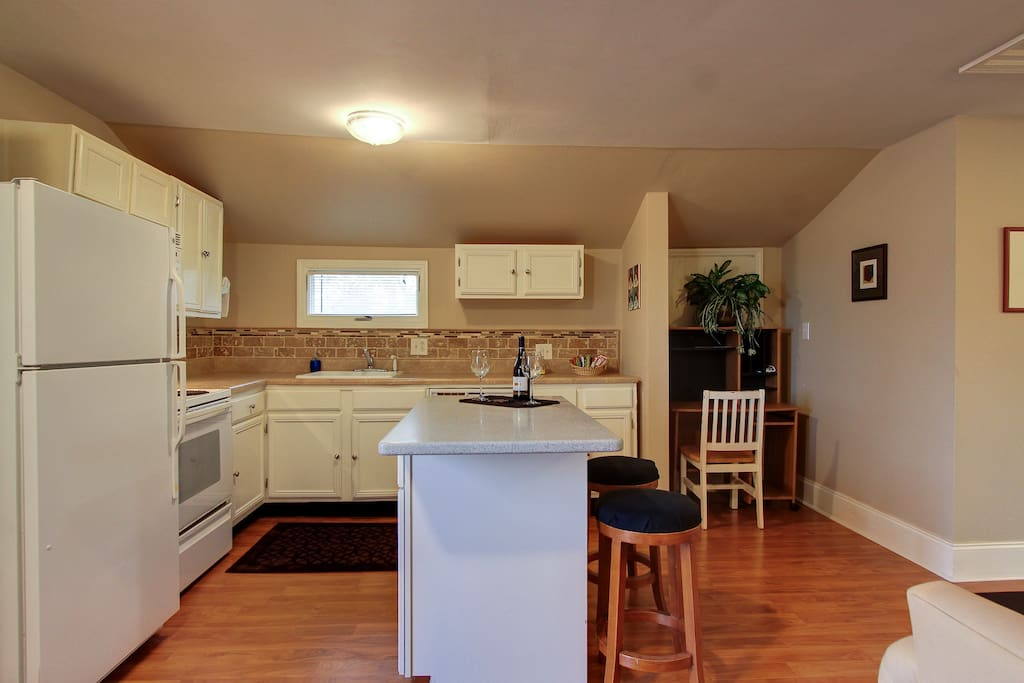 Fully equiped kitchen, with everything you need.