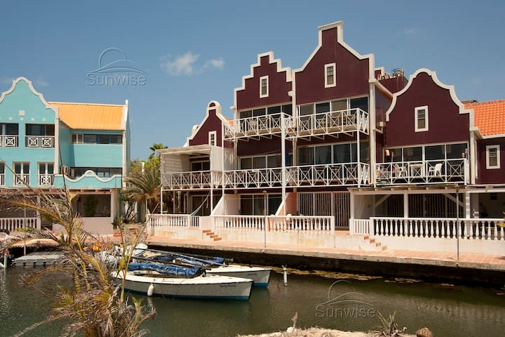 Caribbean Court Resort - Great waterfront apartment Vista Marina with terrace - Kralendijk - Daire