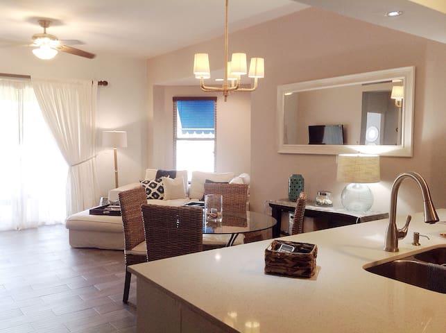 Villa Serene - Ground floor/Beach Front complex!