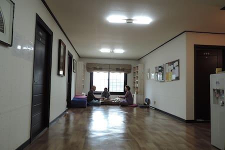 Templestay in Lotus Lantern-Room 1 - Ganghwa-gun