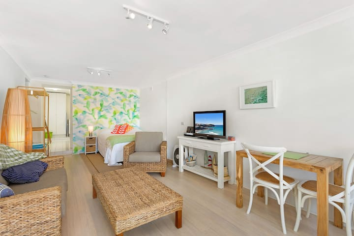 Bondi Studio Apartment with pool - Tamarama - Apartamento