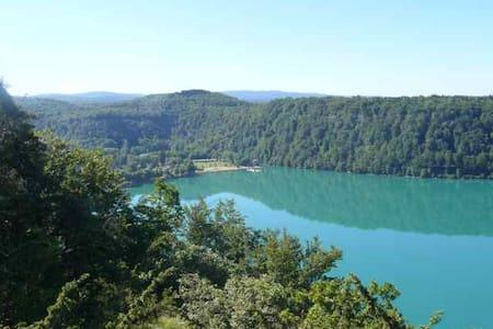 Le JURA entre lacs et rivière - crotenay