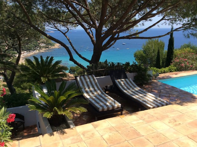 Villa with sea view for holidays - Ramatuelle - House