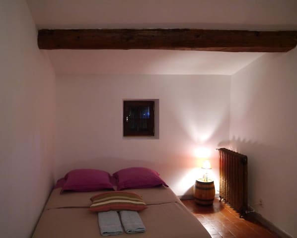 Rooms in the Luberon, in Provence - Lagnes - Bed & Breakfast