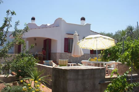 Villa with superb garden in Puglia! - Castellana Grotte