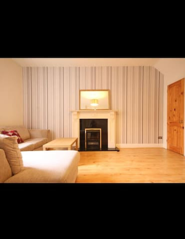 A vibrant one double bedroom apartment
