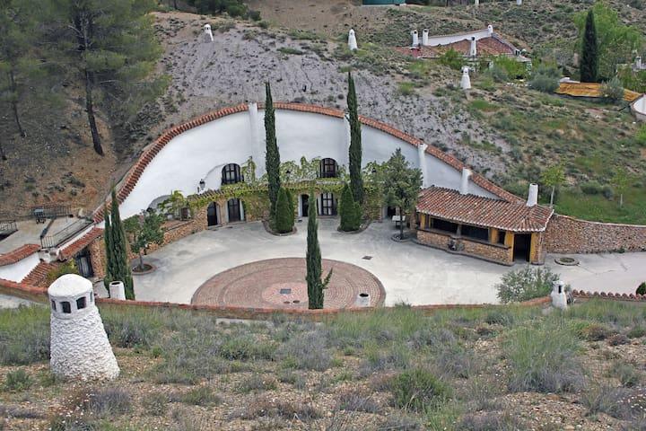 Casa Cueva del Tío Tobas- El Husillo