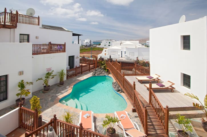3 Bed Casa Hibiscus fishing village - Punta Mujeres, Lanzarote - House