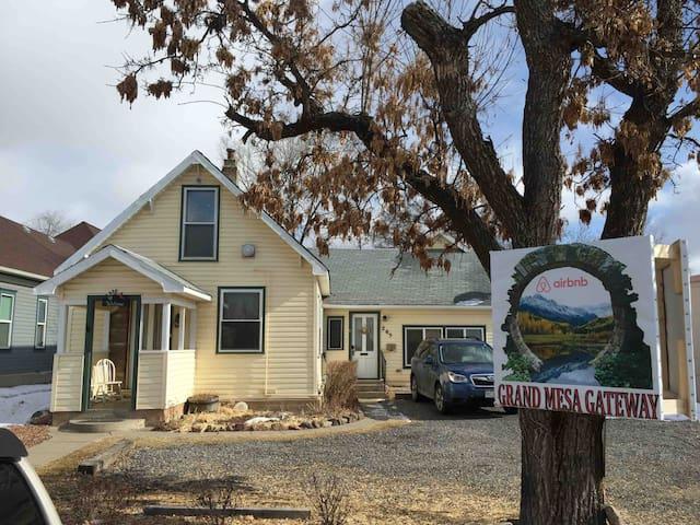 Grand Mesa Gateway Airbnb/Serenity