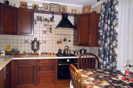 Двухкомнатная меблированная квартир - Липецк