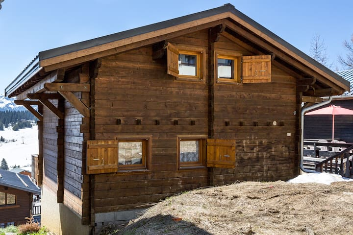 Cosy family chalet close to the ski slopes - Hauteluce - Huis