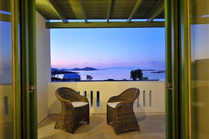 Beach Apartment -amazing sea view  - Naousa - Apartment