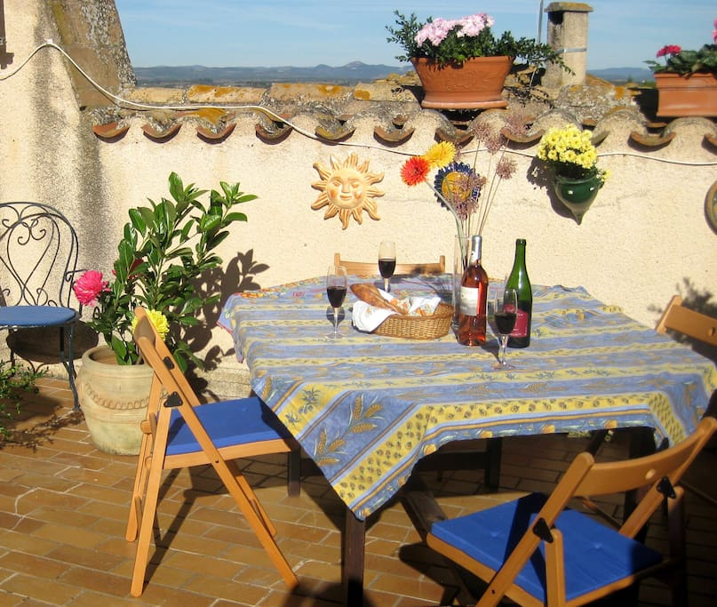 The sunny terrasse for morning croissants or evening wine