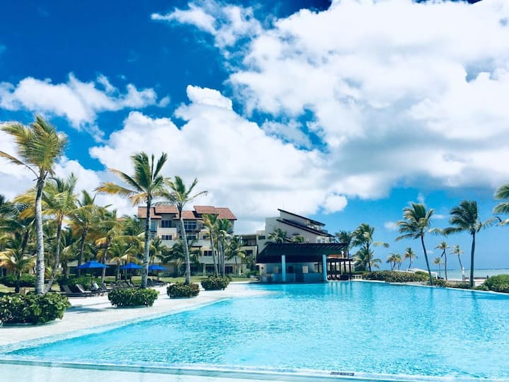 Beachfront apartment in Cap Cana/Overall rating 5*