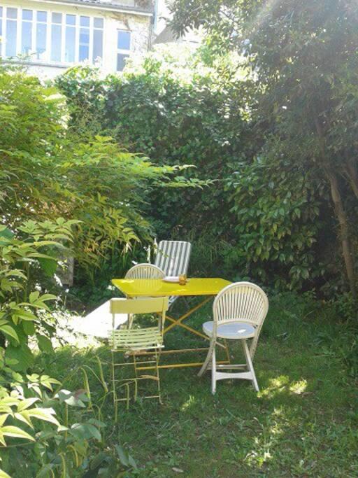 Appartement rez de jardin appartements louer for Location appartement avec jardin bordeaux