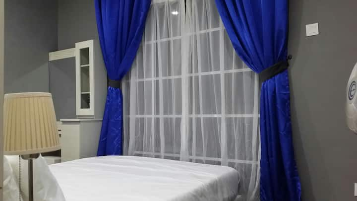 Modern And Cozy Suite (Near Utar)