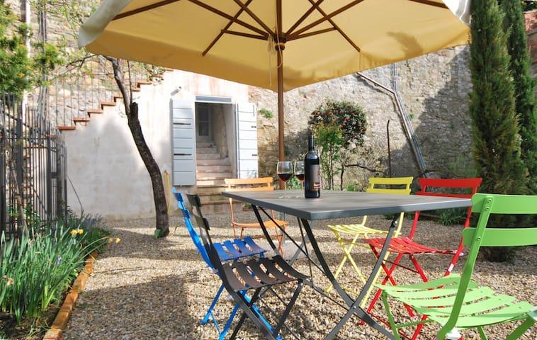 Appartamento Giardino Centro Storico - Lucignano - Apartamento