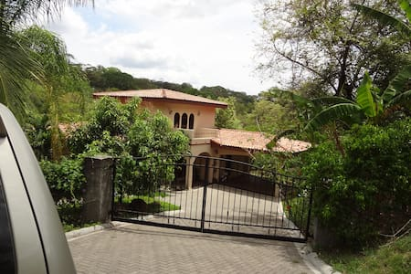 3 bdrm in Playa Panama/Hermosa area - Playa Hermosa/Playa Panama - Casa
